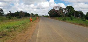 DER executa manutenção e limpeza lateral em 60 quilômetros da rodovia 133