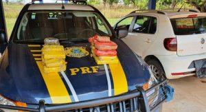 Em Rio Branco, dois são presos por tráfico com mais de 17 kg de pasta base de cocaína escondidos em carro